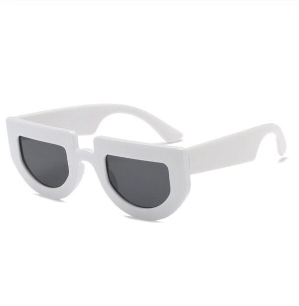 Audrey Hepburn fashion style sunglasses in grey from Madaame
