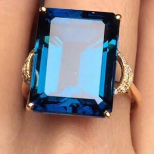 Madaame Womens / Female Ring With Natural Blue topaz Stone