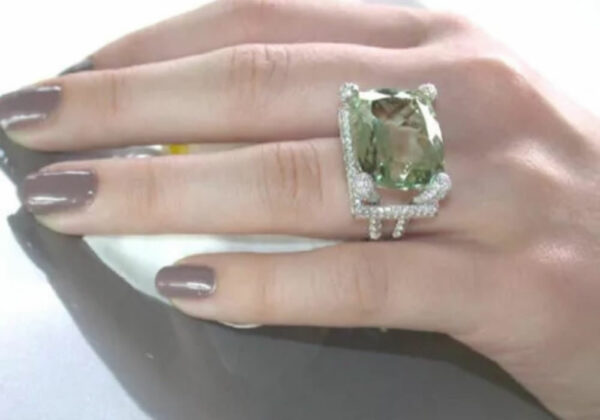 Peridot 4K White Gold Emerald Topaz Ring in a Diamond Turquoise Square